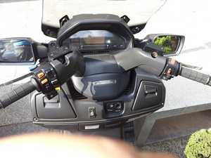 Suzuki Burgman 650 EXCLUSIVE  - Foto 10