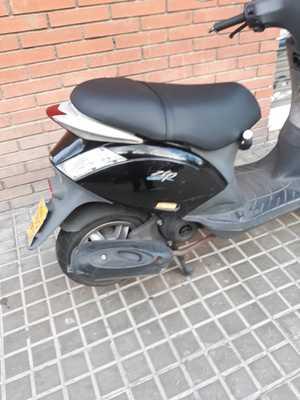 Piaggio Zip 50 4T  - Foto 3