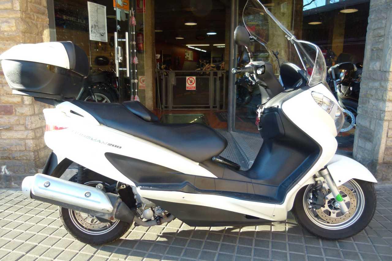 Suzuki Burgman 200   - Foto 1