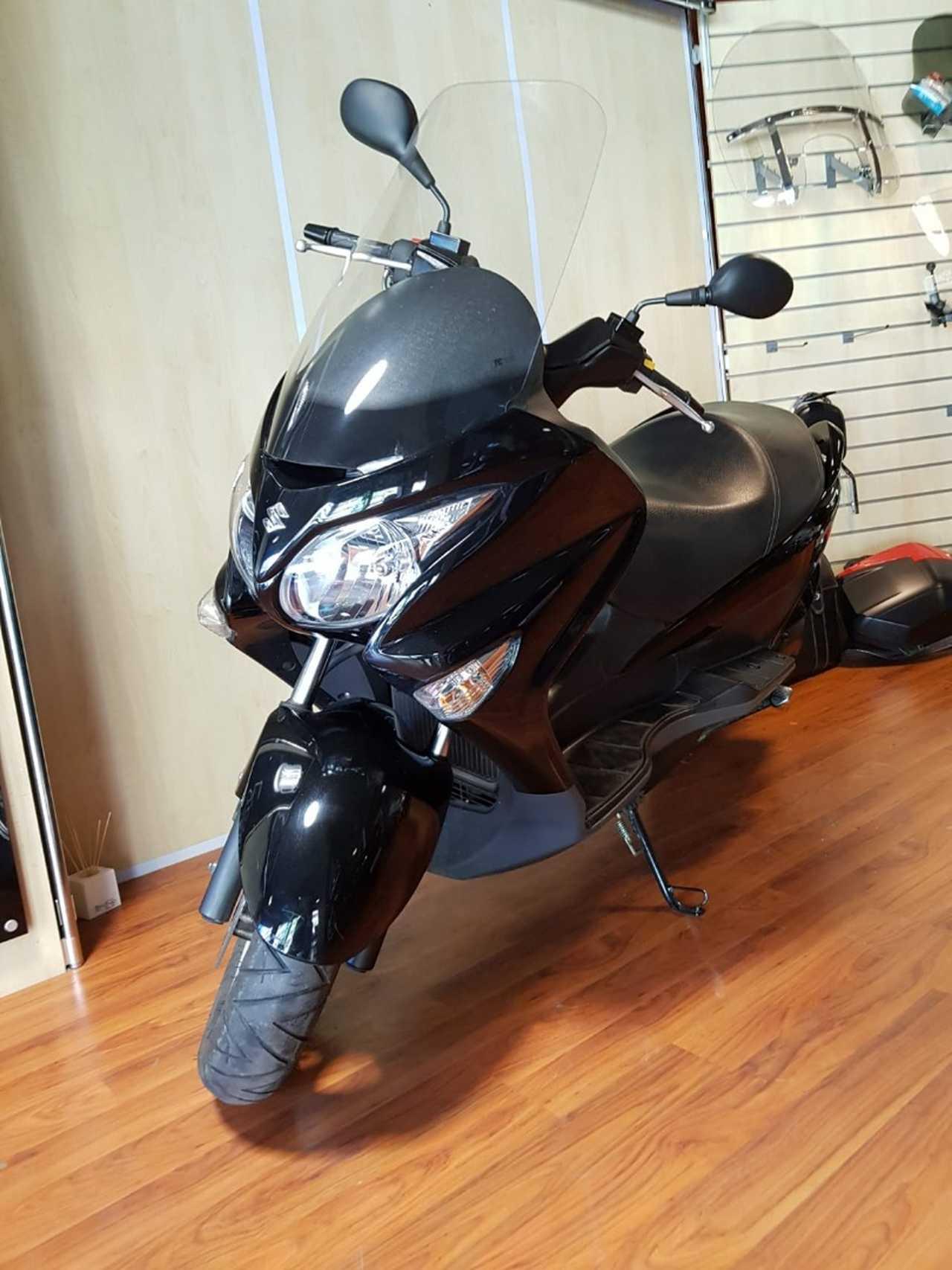 Suzuki Burgman 125   - Foto 1
