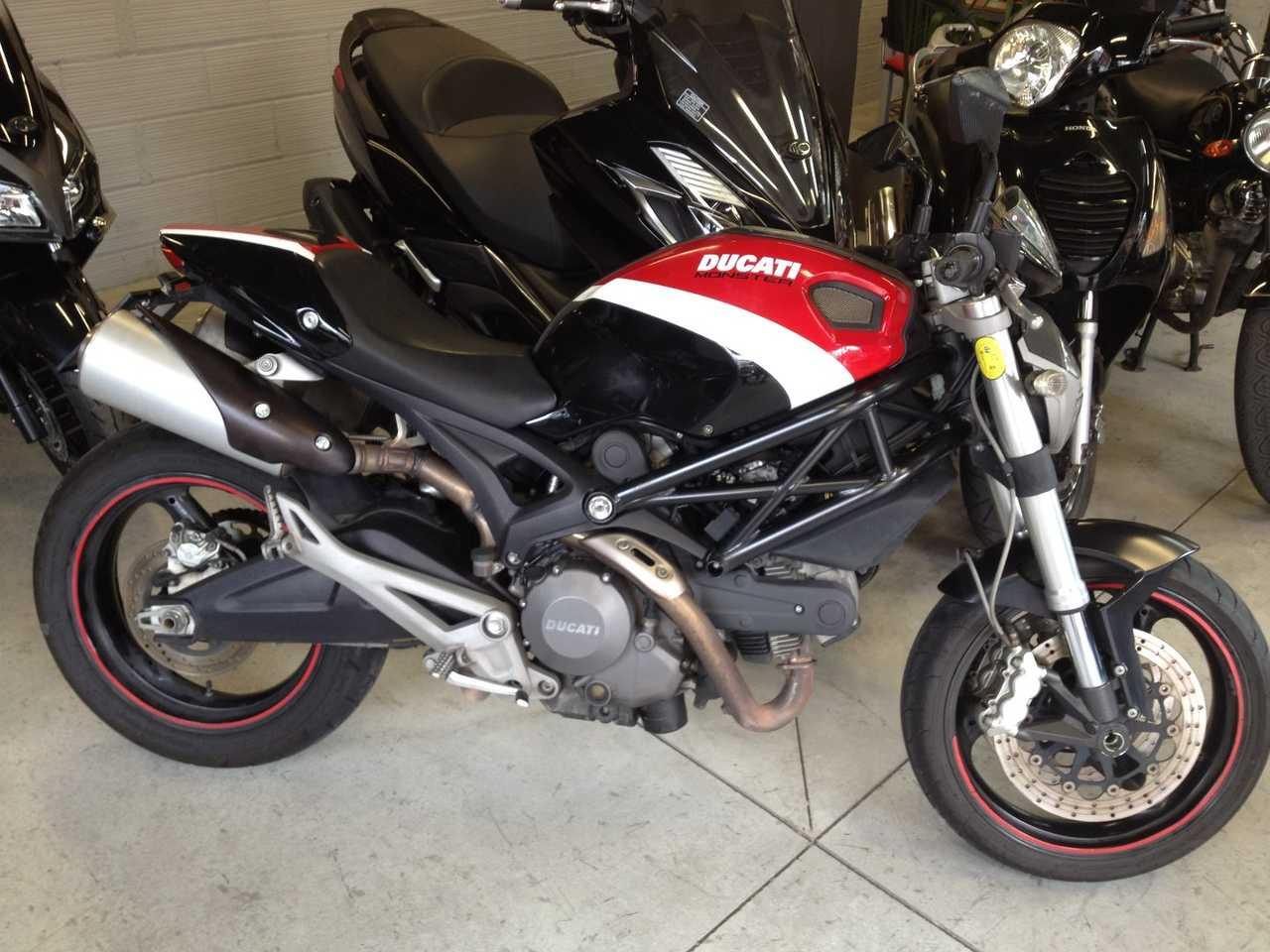 Ducati Monster 696 Versión CORSA  - Foto 1