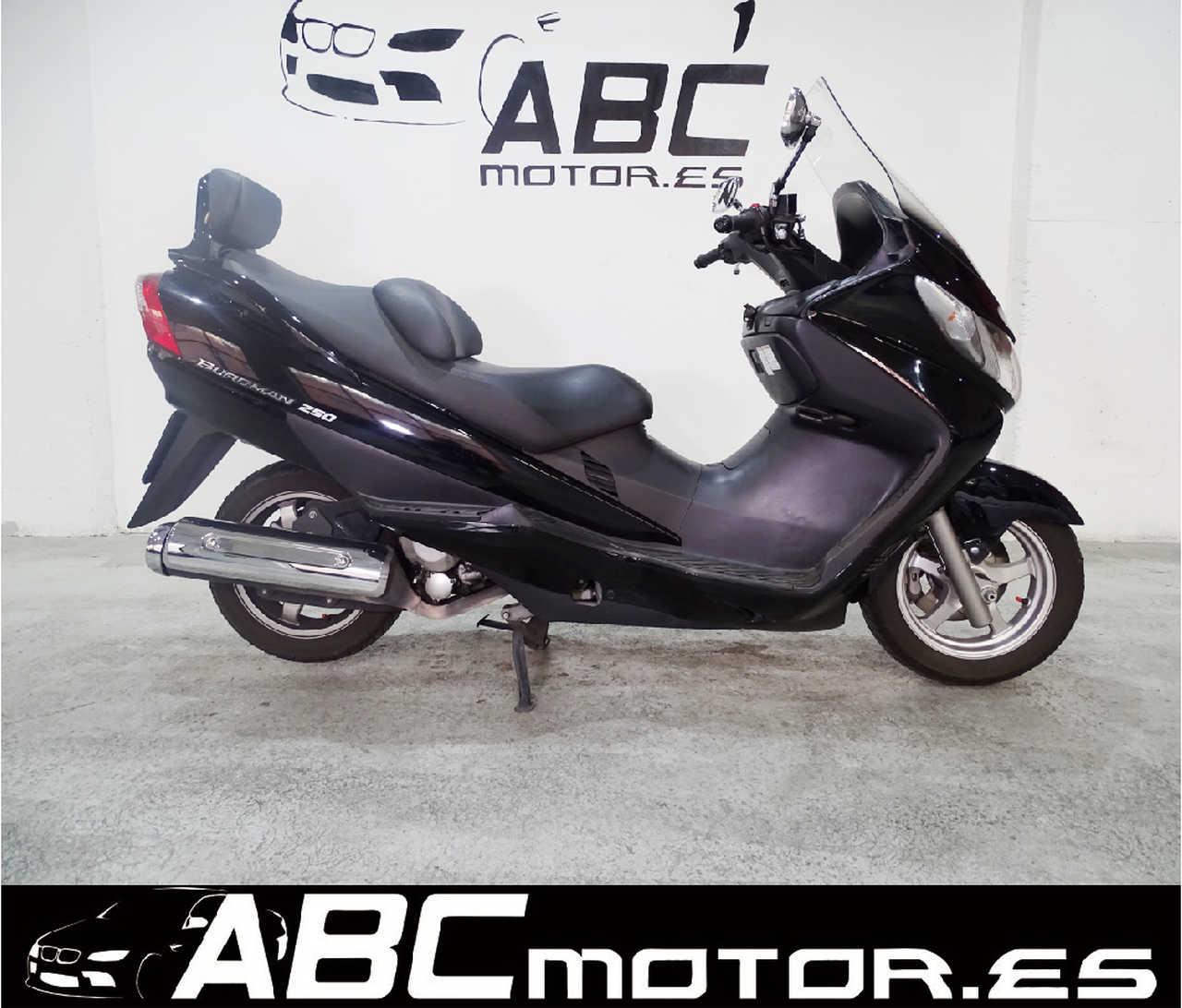 Suzuki Burgman 250   - Foto 1