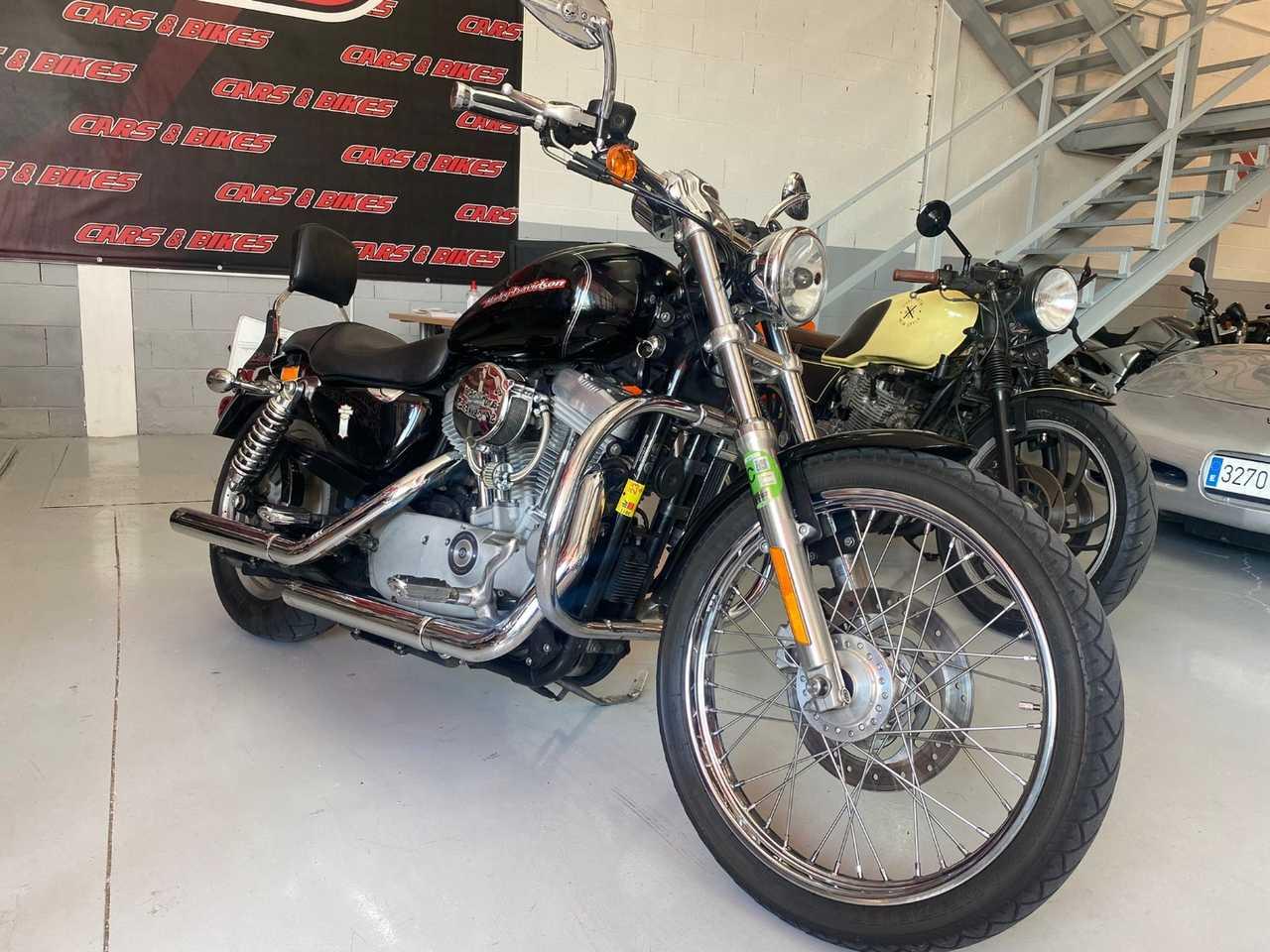 Harley-Davidson Sportster 883 Custom  - Foto 1