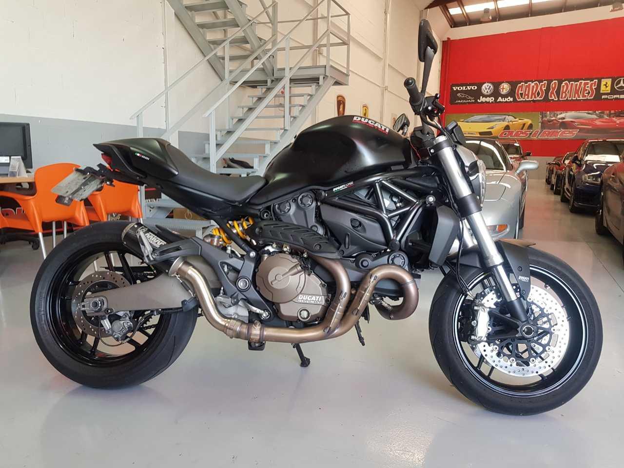 Ducati Monster 821 DARK  - Foto 1